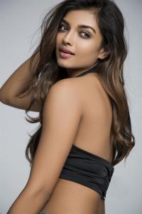 Actress Ashna Zaveri Latest Hot Photoshoot Images