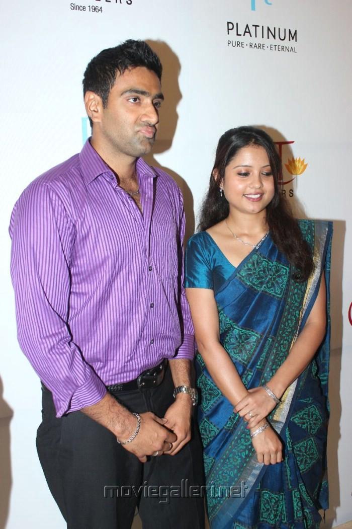 R Ashwin And His Wife R Ashwin And His Wife ...