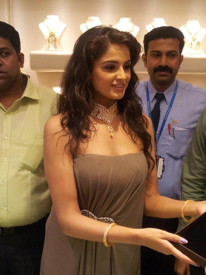 Actress Asmita Sood Pics @ Jos Alukkas Showroom Vijayawada