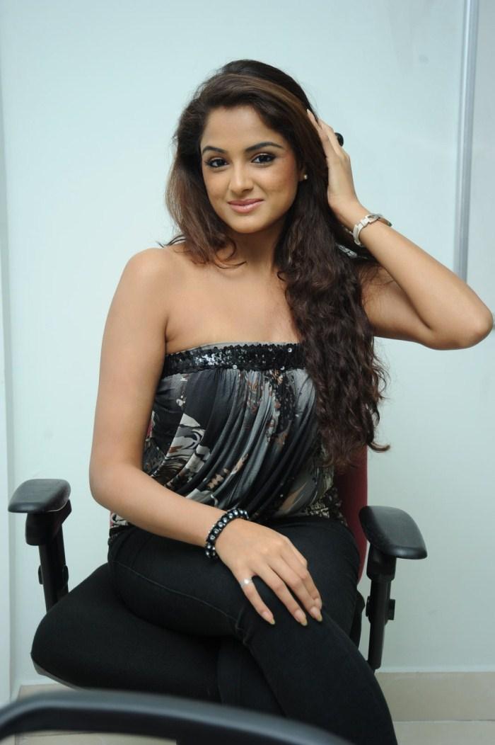 South Indian Latest Actress hot Pics : Asmita Sood Latest Spicy Stills