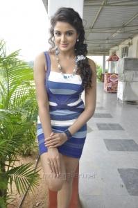 Actress Asmitha Sood Latest Stills in Aadu Magadura Bujji