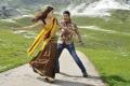 Samantha, Mahesh Babu in Athiradi Vettai Movie Stills