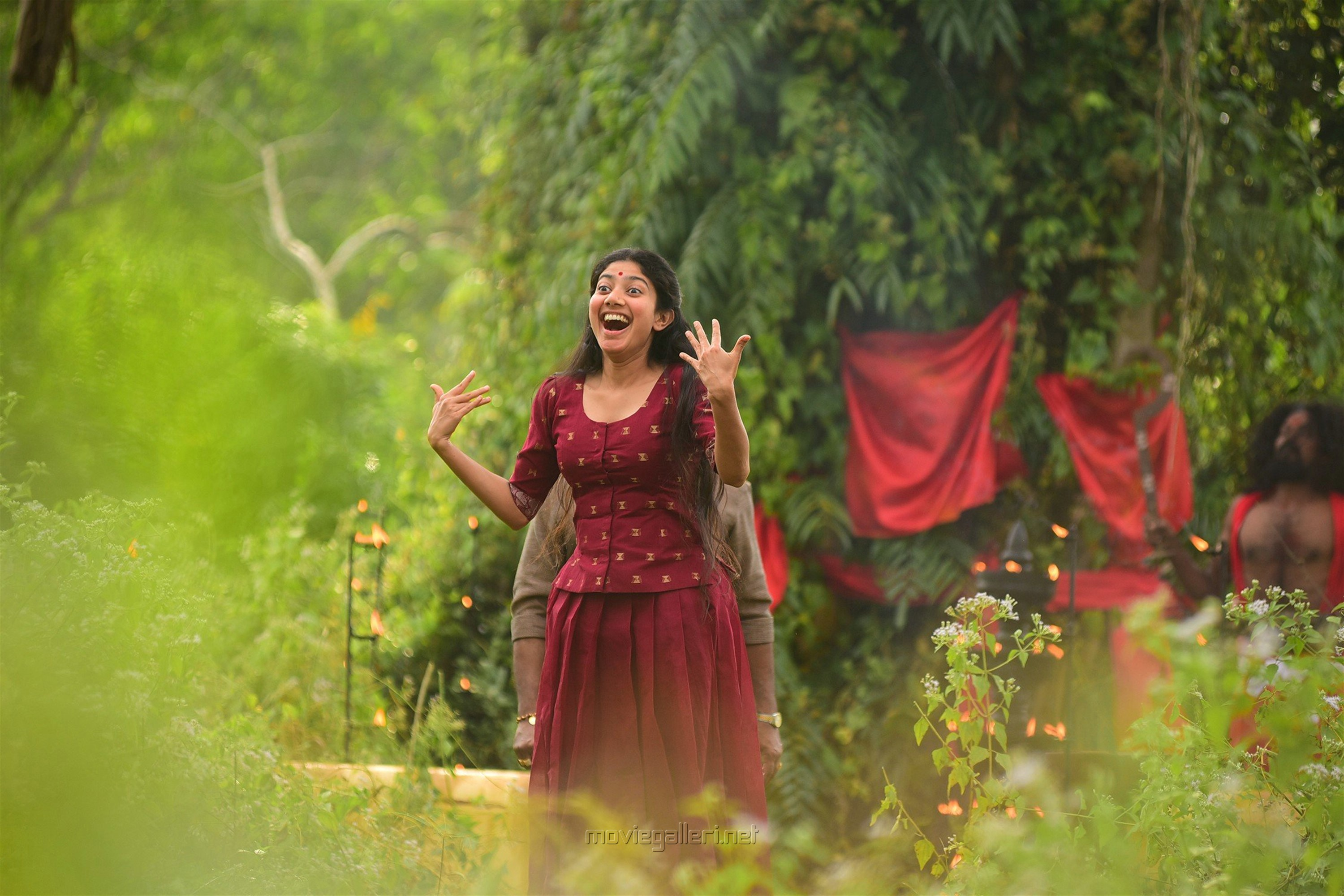 Athiran Movie Actress Sai Pallavi HD Photos