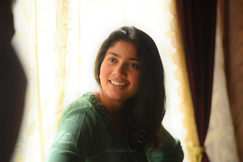 Athiran Movie Actress Sai Pallavi HD Photos
