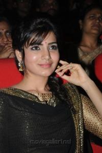 Actress Samantha at Attarintiki Daredi Audio Launch Stills