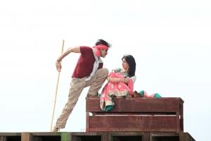 Pawan Kalyan, Samantha in Attarintiki Daredi Latest Stills