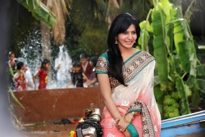 Actress Samantha in Attarintiki Daredi Latest Stills