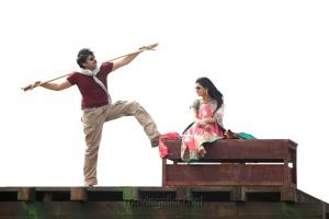 Pawan Kalyan, Samantha in Attarintiki Daredi Movie Latest Stills