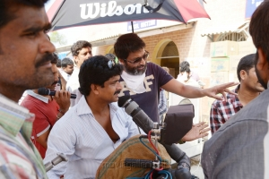 Prasad Murella, Trivikram Srinivas at Attarintiki Daredi Movie Working Stills
