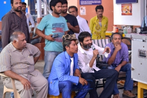BVSN Prasad, Trivikram Srinivas at Attarintiki Daredi Movie Working Stills