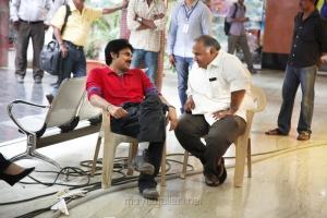 Pawan Kalyan, BVSN Prasad at Attarintiki Daredi Movie Working Stills