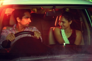 Siddharth, Andrea Jeremiah in Aval Movie Stills