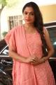Uma Riyaz @ Avathara Vettai Movie Pooja Stills
