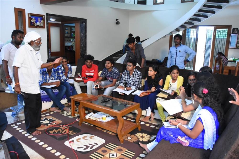 Erode Soundar in Ayya Ullen Ayya Movie Stills