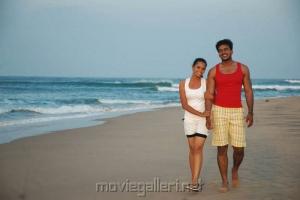 Jack, Aarushi in Azhagan Azhagi Tamil Movie Stills