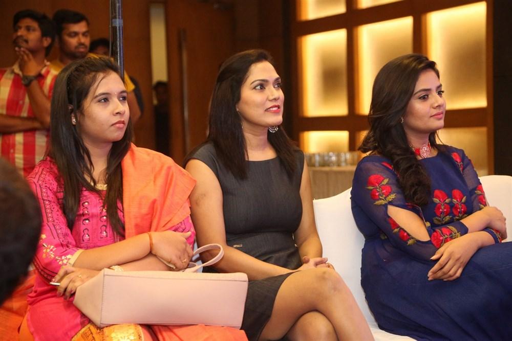 Sreemukhi @ Babu Baga Busy Press Meet Photos