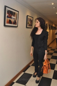 Actress Piaa Bajpai at Back Bench Student Exhibition in MUSE Art Gallery