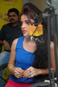 Pia Bajpai at Back Bench Student Movie Team at Radio Mirchi Photos