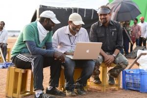 KK Senthil Kumar, Srinivas Mohan, Sabu Cyril @ Bahubali Movie Working Stills