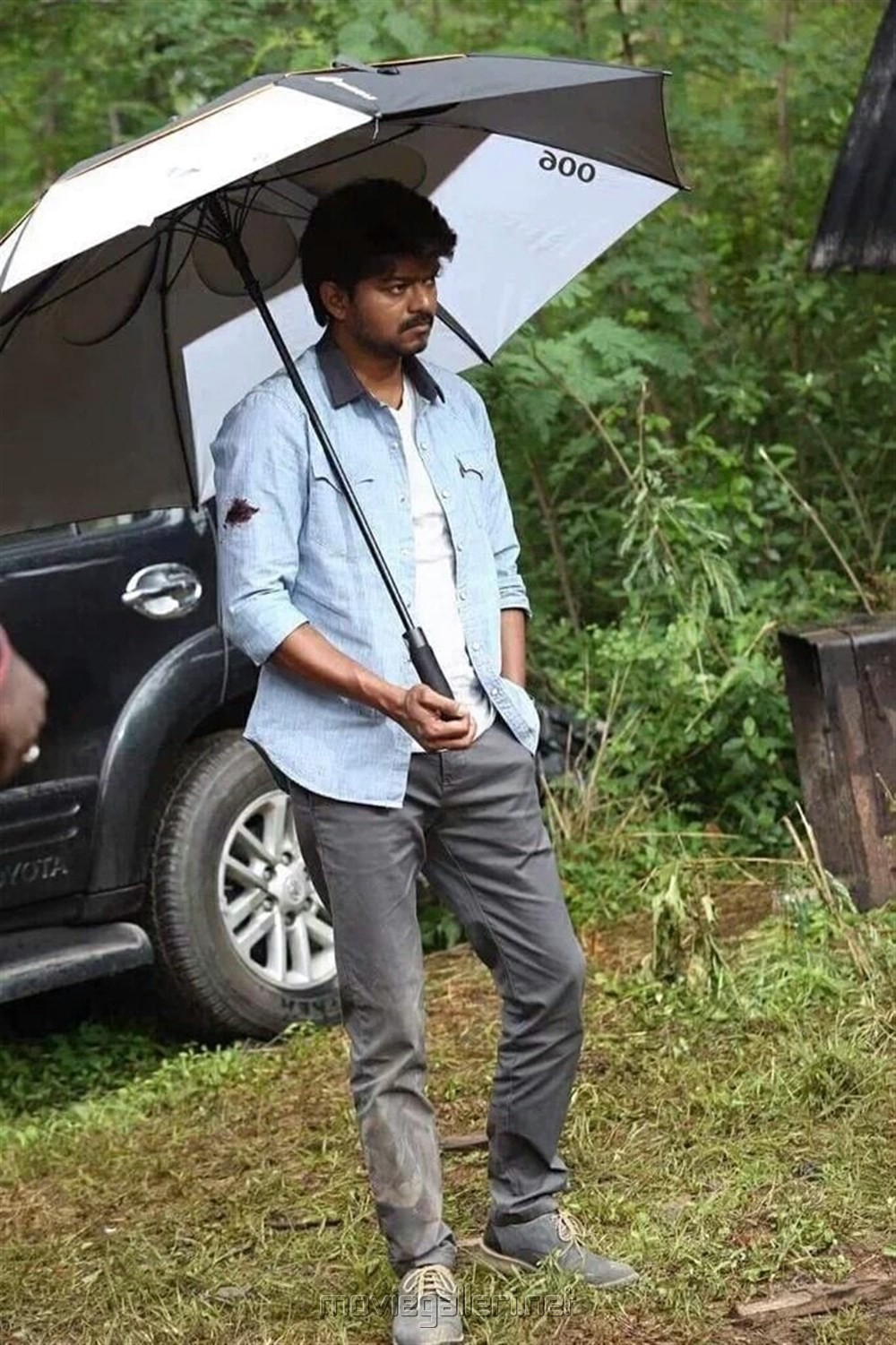 Actor Vijay @ Bairavaa Shooting Spot Images