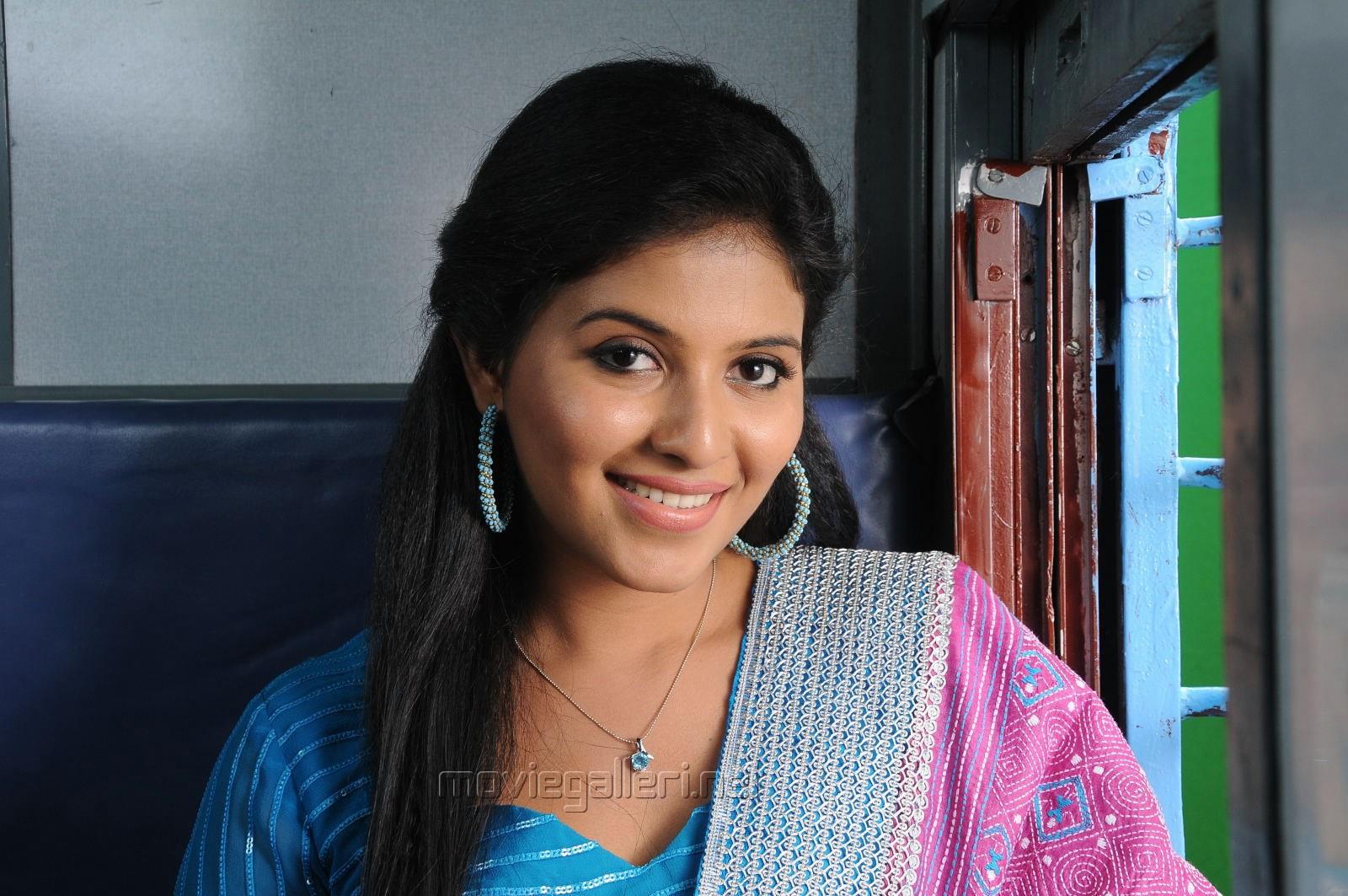 Balupu Actress Anjali Cute Churidar Photos