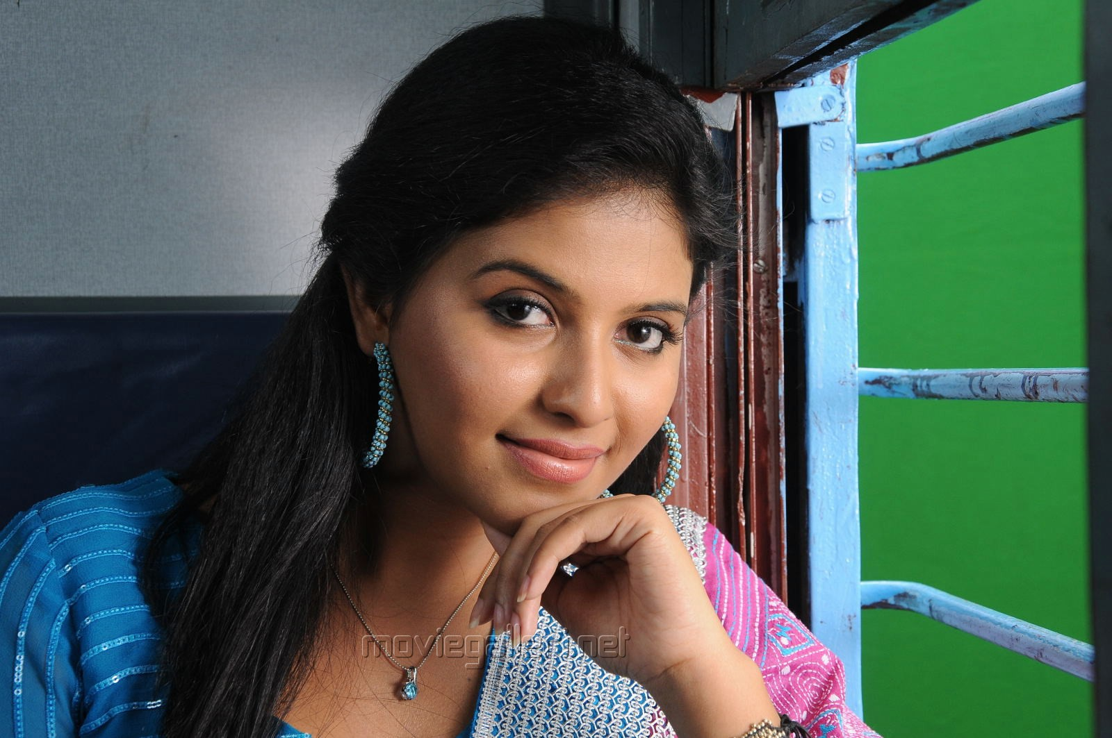 Actress Anjali Cute in Churidar Photos from Balupu