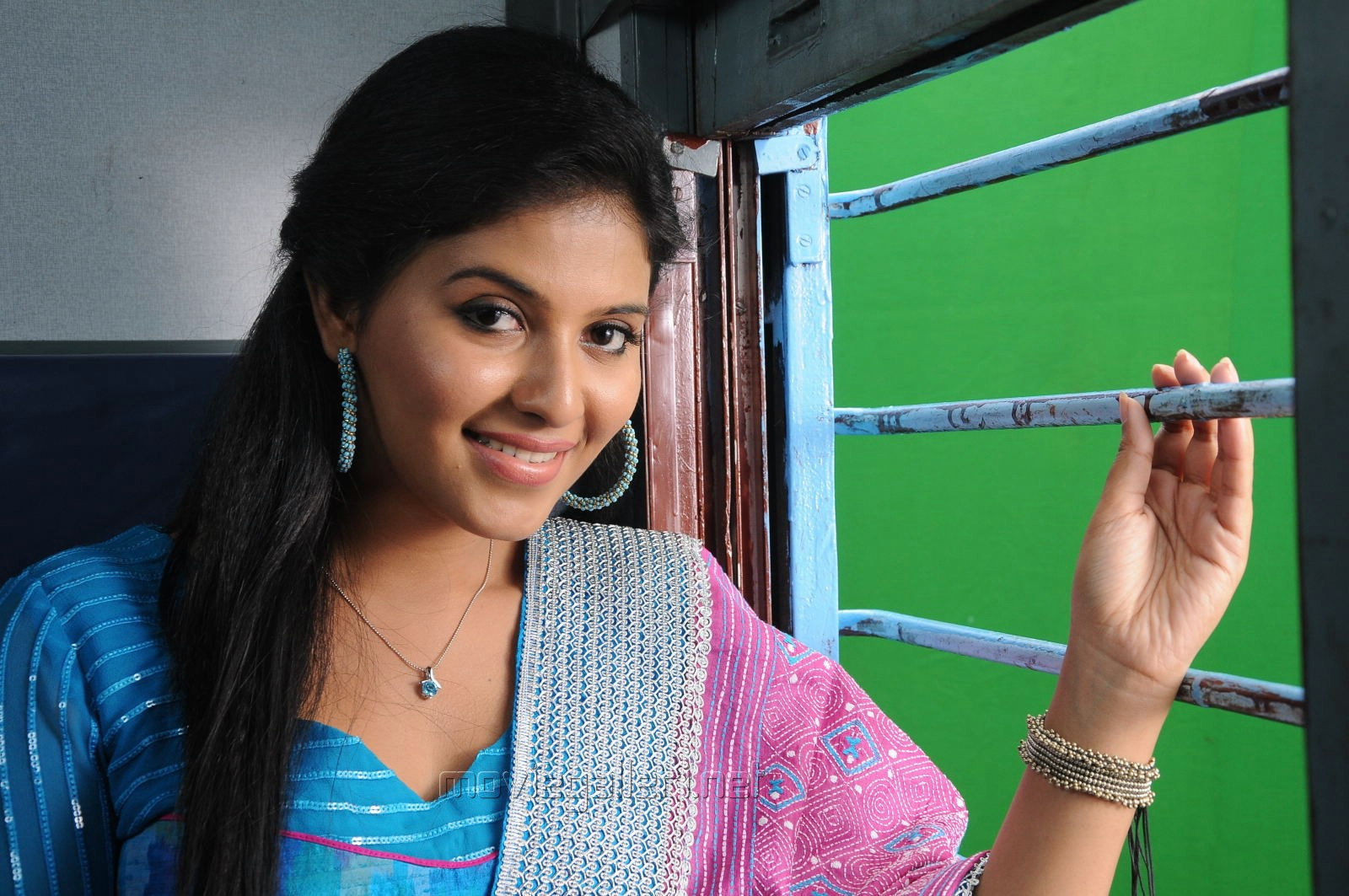 Balupu Actress Anjali Cute Churidar Photos