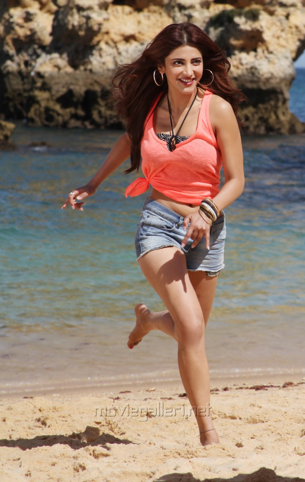 Actress Shruti Hassan in Balupu Latest Photos