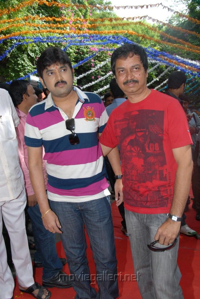 Telugu Actor Kamalakar at Band Balu Movie Opening Stills