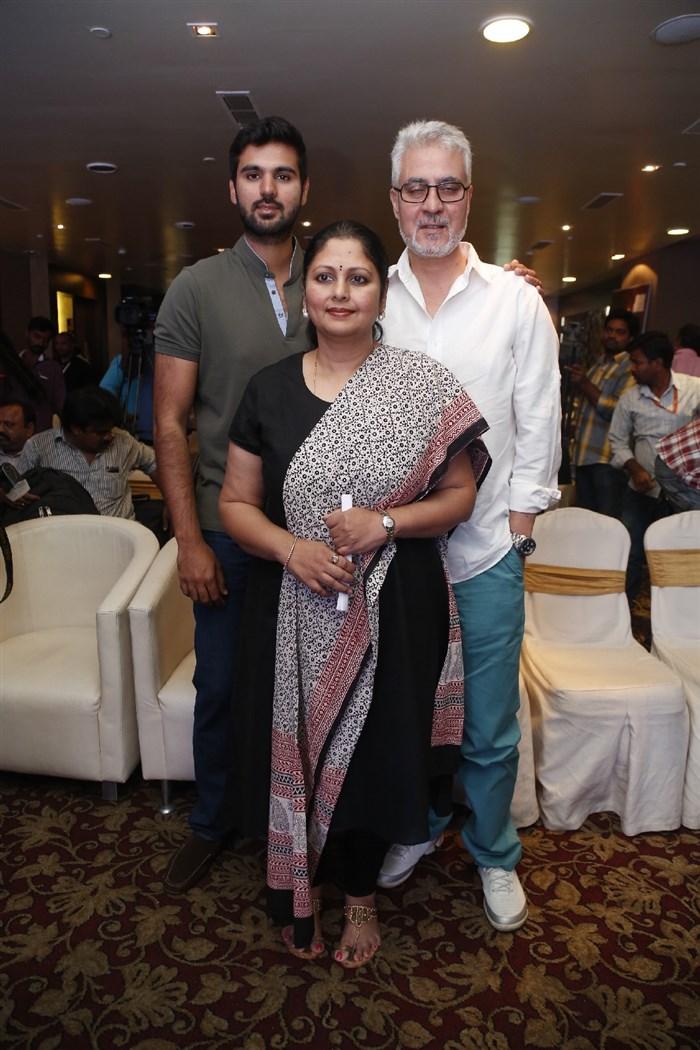 Nitin Kapoor Producer Husband Nitin Kapoor