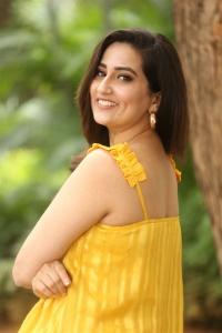 Manjusha @ Beach Road Chetan Teaser Launch Stills