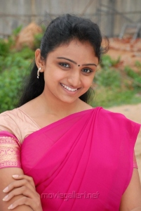 Telugu Actress Waheeda Cute Stills in Saree