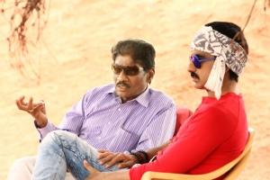 KK Radha Mohan, Ravi Teja @ Bengal Tiger Movie Shooting Spot Photos