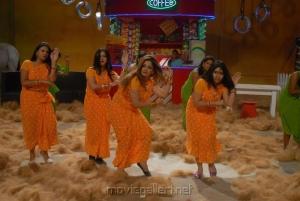 Bhaaja Bhajantreelu Movie Hot Spicy Photos