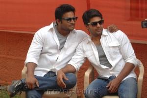 Arya, Madhavan @ Bhale Thammudu Movie Stills