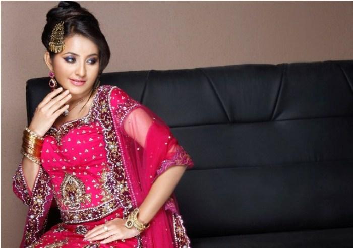 Malayalam Actress Bhama Hot Photo Shoot Gallery [ Gallery View ]
