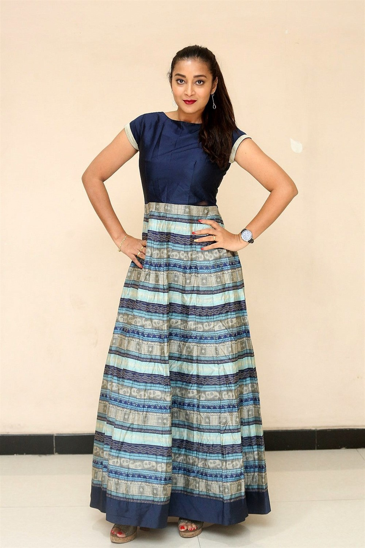 Actress Bhanu Sri Photos @ Ee Ammayi Movie First Look Launch