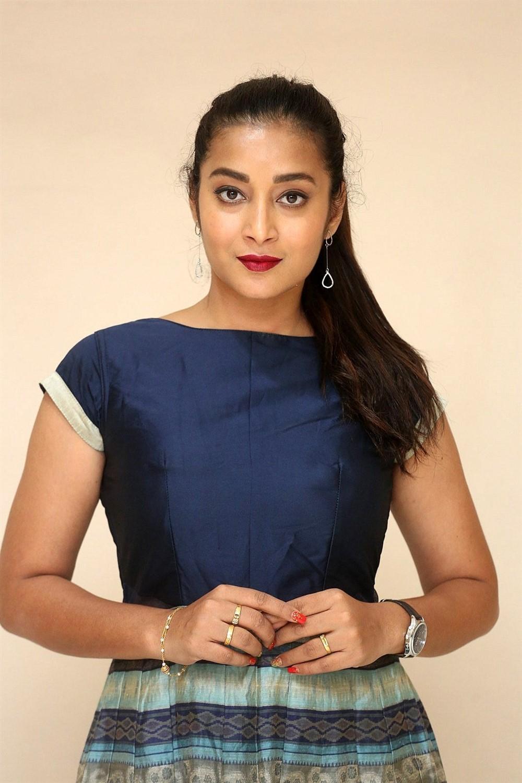 Actress Bhanu Sri Photos @ Ee Ammayi First Look Launch