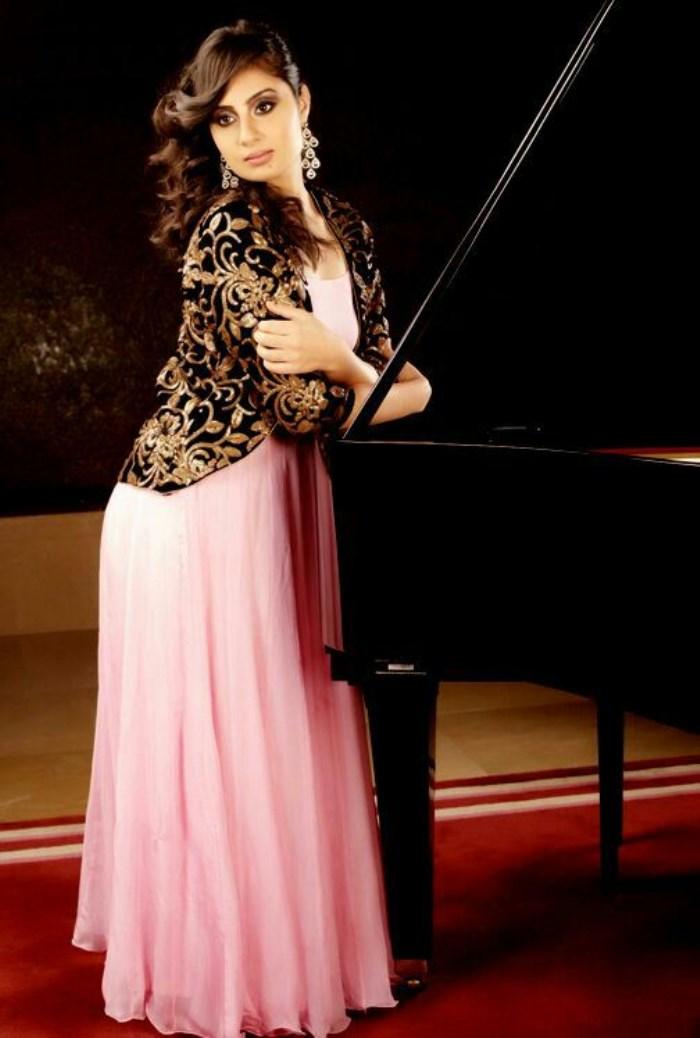 Actress Bhanu Sri Mehra Photoshoot Pics