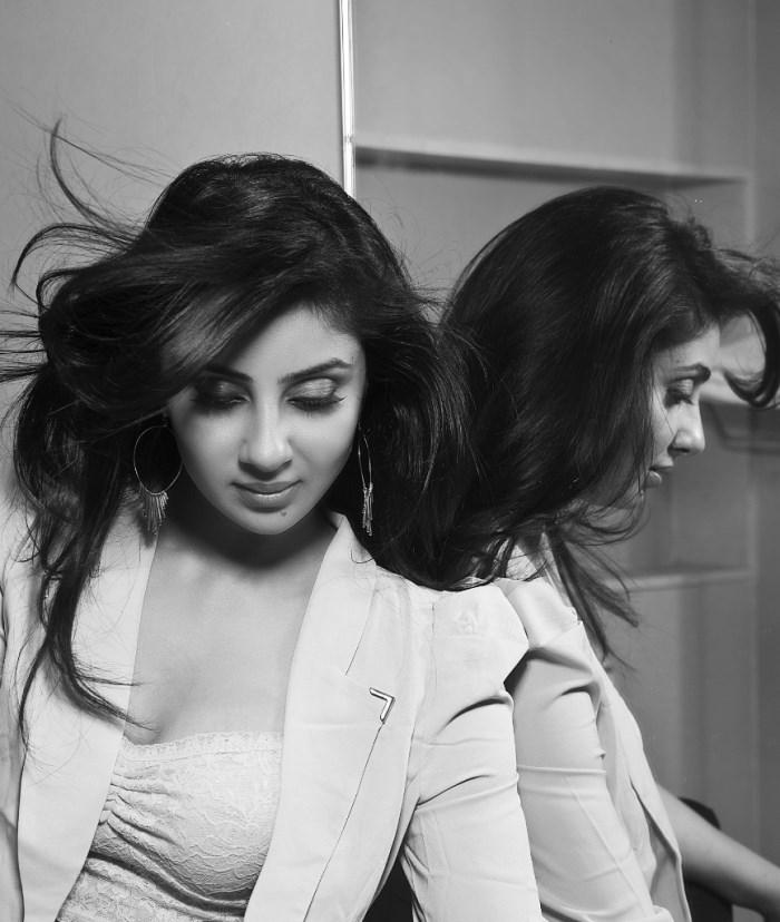 Actress Bhanu Sri Mehra New Hot Photoshoot Pics