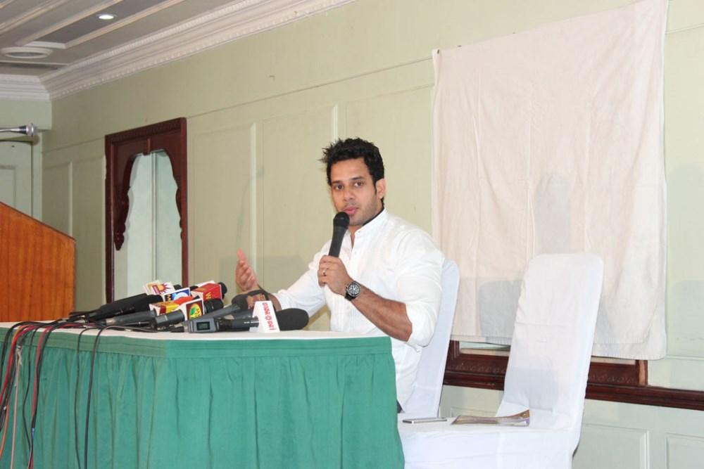 Actor Bharath Press Meet Stills for Marriage
