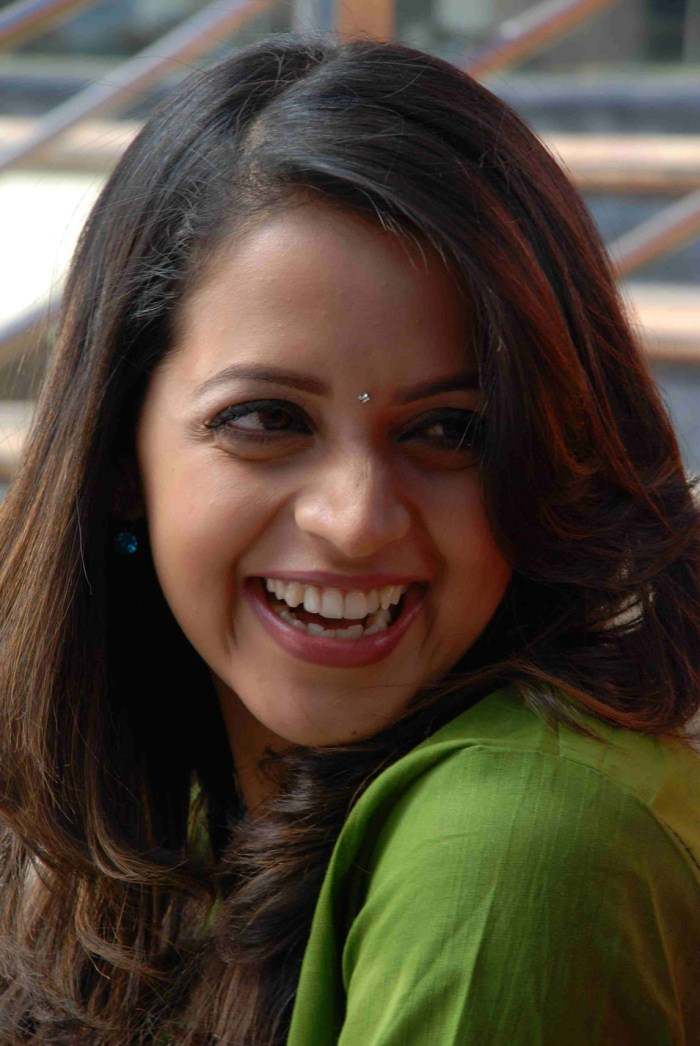 picture 233923 bhavana latest cute smile stills new