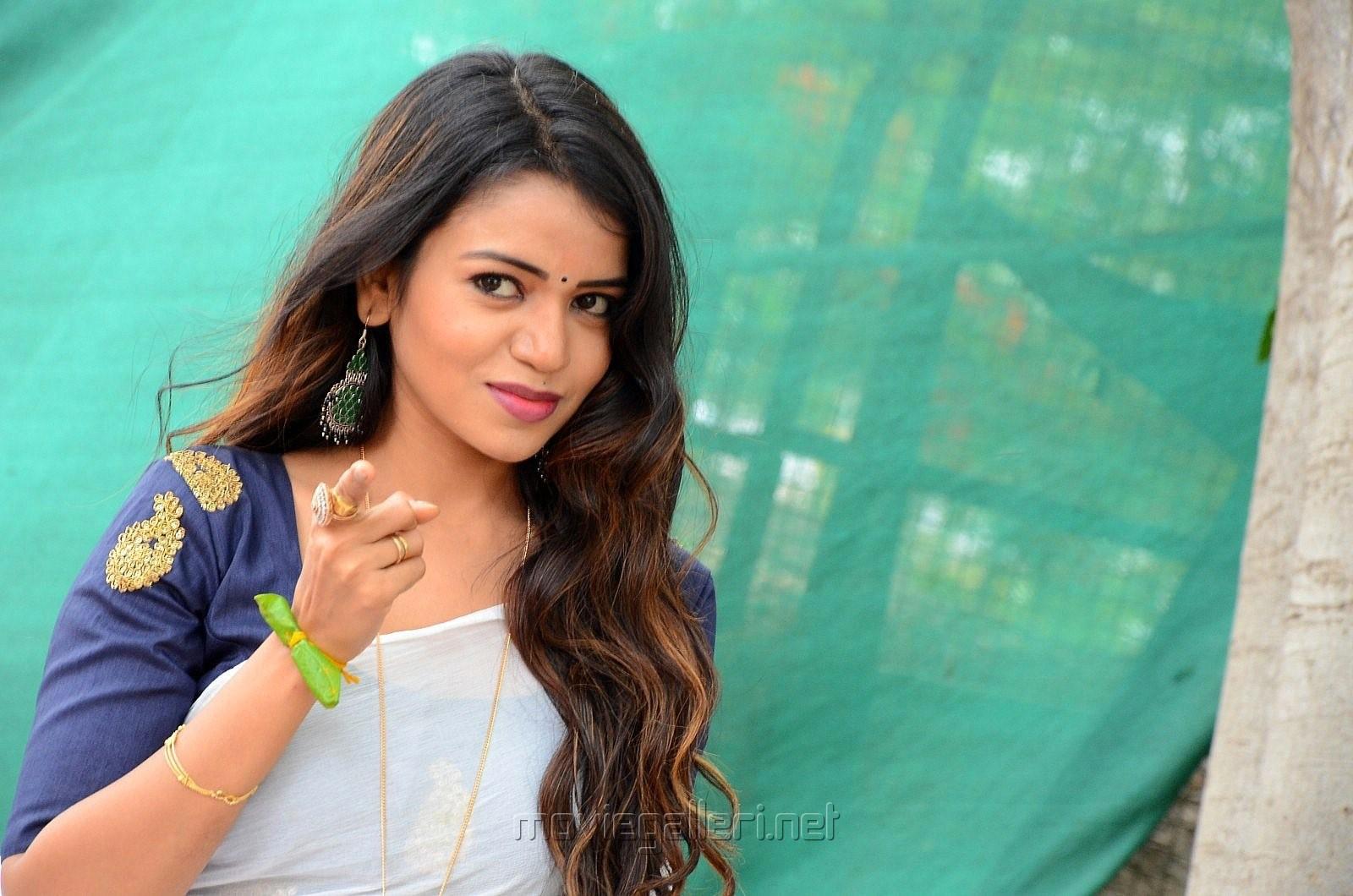 Actress Bhavya Sree Photos @ Udyama Simham Movie Opening
