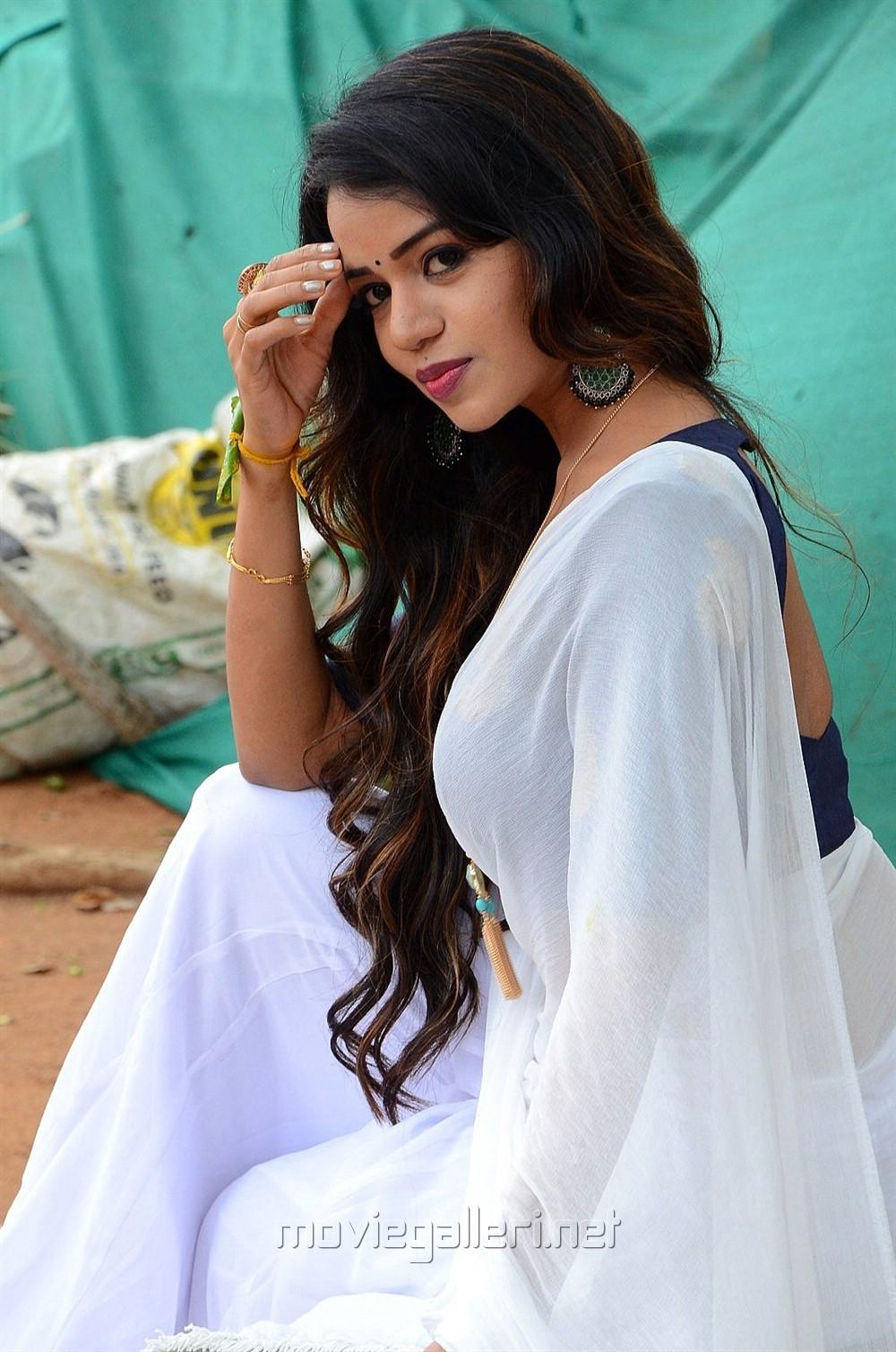 Actress Bhavya Sree Photos @ Vudhyama Simham Movie Opening