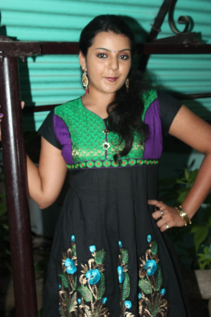 Actress Divya Nagesh at Bhuvanakkadu Movie Audio Launch Photos