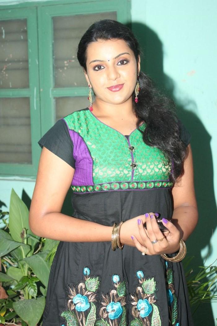 Actress Divya Nagesh at Bhuvanakkadu Movie Audio Launch Photos