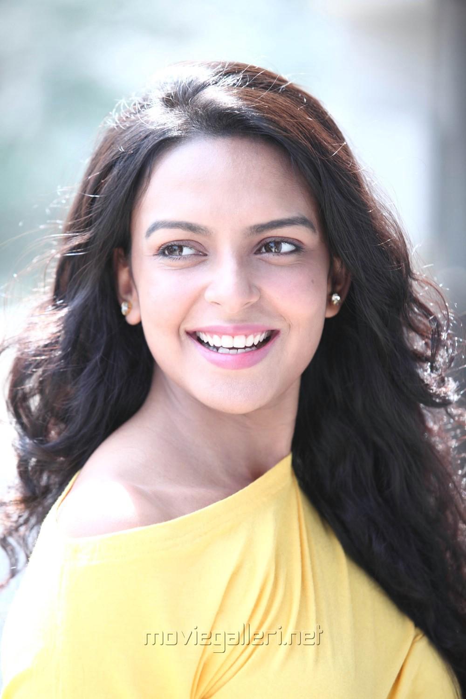 Bollywood Actress Bidita Bag Wallpapers