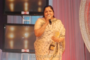 KS Chithra @ BIG Salute to Tamil Women Entertainers Awards