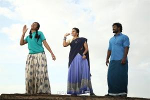Indhuja, Chandini Tamilarasan, RK Suresh in Billa Pandi Movie Stills