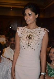 Actress Bindu Madhavi New Stills
